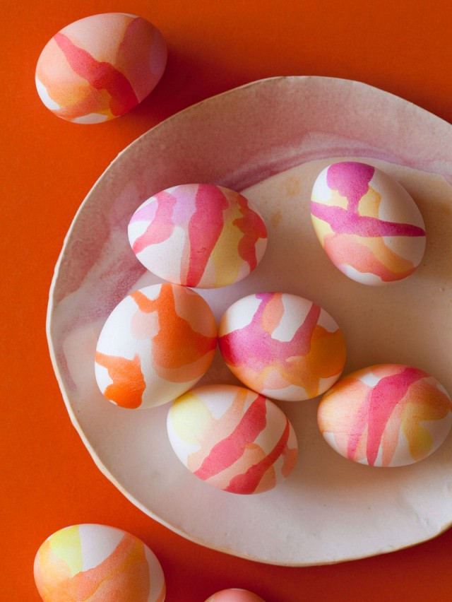 the-chicest-diy-easter-decor-from-pinterest-1749019.640x0c